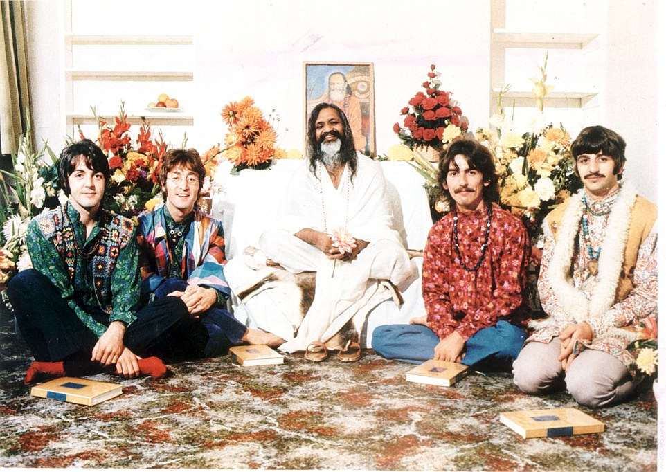The_Beatles_with_the_Maharishi_Mahesh_Yogi_in_1968-a-42_1431966043892